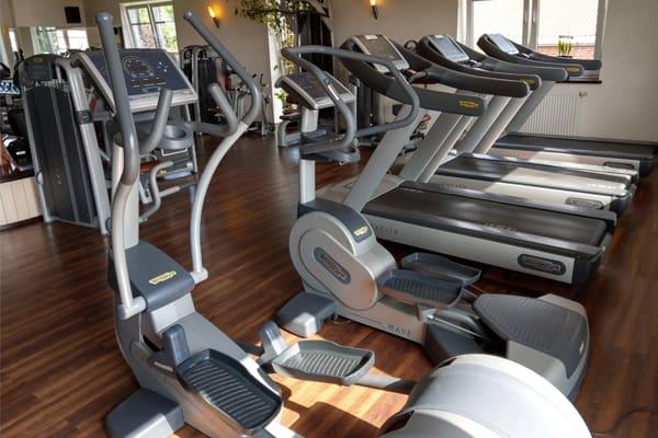Fitness-Studio Stepper und Laufbänder